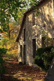 La Monselie: Auvergne farmhouse with exceptional views
