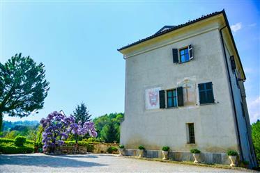 Dimora di prestigio nel Piemonte del sud