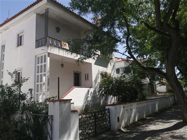 Μονόκλινο οικογενειακό σπίτι – β. Δ. Λεονάν Φερνάντες