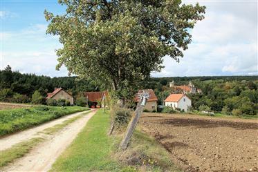 Domaine de la Chassagne 2,9 ha koji ima: 4 objekta s priboro...