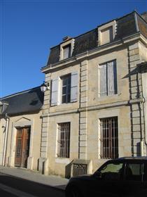 Maison XVIIIe 9 pièces, jardin, cœur bastide médiévale de Monsegur - Gironde