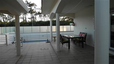 Detached villa 5 bedrooms with swimming pool