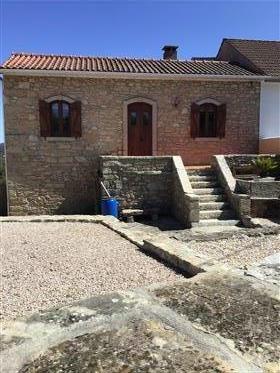 2 Propiedades tradicionales de piedra expuesta
