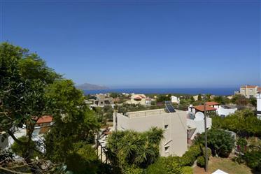 Μονοκατοικία με όμορφη θέα στην Κρήτη