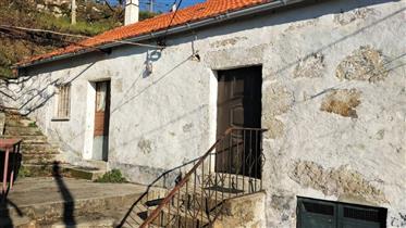 Casa tradicional ubicada en el Minho no norte de Portugal