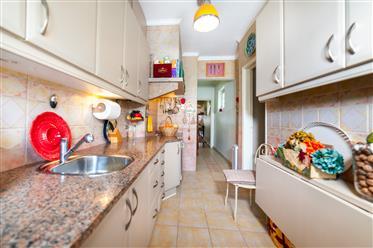 Apartman T3+1 Avenida Novas