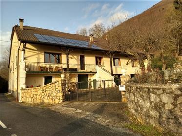 Prekrasna francuska seoska kuća u blizini Ženeve