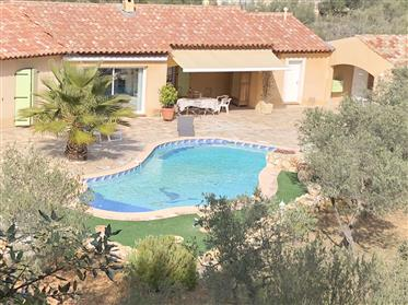 Bela bela vila provençal brilhante grande T5 expôs Sul em parque arborizado com piscina e casa de p
