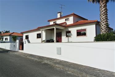 Schöne Villa 7km von der Küste