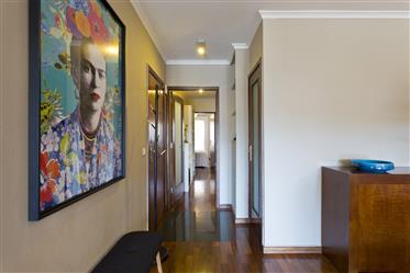 Prodaje se apartman s 2 spavaće sobe u centru Oporto