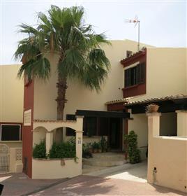 Schönes und gepflegtes 5-Zimmer-Reihenhaus zum Kauf in Santa Ponsa