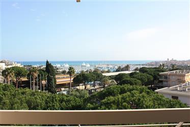 Apartamento deslumbrante com bela vista para o mar