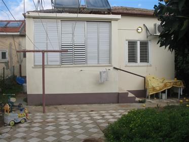 Beautiful 3Br, 1Bt Private House, 360Sqm
