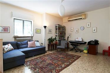 Beautiful 3Br, 1Bt apartment, bright, quiet, and spacious