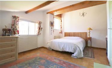 Vila do arquiteto perto de Uzés e Avignon