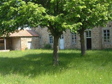 Maison en pierres 525 m2