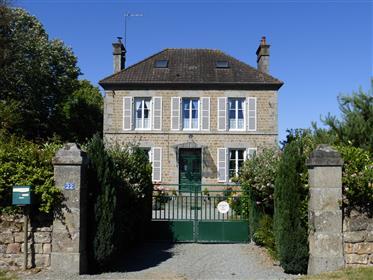 Bella casa indipendente con la Maison de Maitre con 4/5 camere da letto
