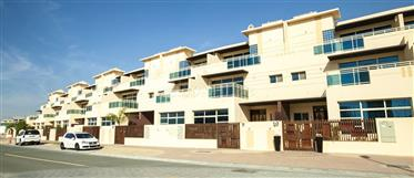 Ready to move in, stunning four bedroom townhouse in Jvc