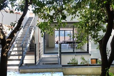 Grande maison d'architecte 200 M2 - terrasse - Jardin - Vue mer, village et montagne