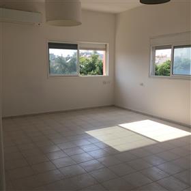 Amazing 3Br, 2.5Bt Duplex, 165Sqm, Prime location