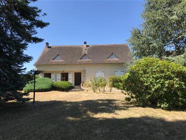 House for Sale in Eguzon- Chantôme, L'Indre, France