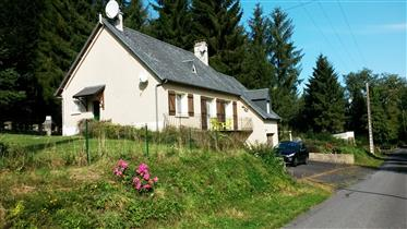 Detached 3 Bedroomed Pavillon style house