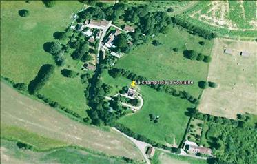 Objekt je smješten u vrhunskom okruženju, 25km od Sancerrea....