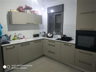 Neue 3Br, 1Bt Wohnung, 110qm, hell ruhig und geräumig