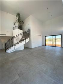 Nouveau 5Br, maison privée 3Bt, sur le terrain de 500M²