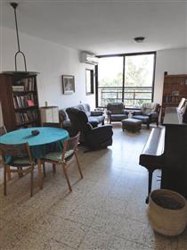 4 Room apartment - Private, no brokerage!!!
