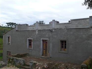 Large house less than an hour from Airport