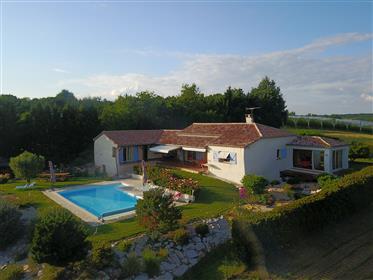 Villa De Plain-Pied Sur Les Coteaux Du Quercy
