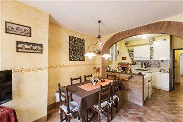 Beautifully restored apartment in Tuscany