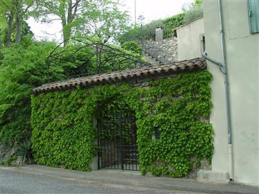 9-Izbový kamenný dom, 276sqm na 2000s² pozemku, v blízkosti centra obce