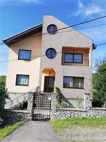 Buy villa in Oradea, quiet area great panorama