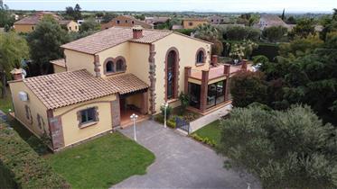 Fabuleuse Villa Golf Peralada dans quartier prisé
