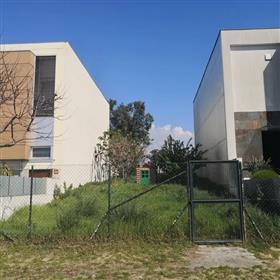 Lote para construção de moradia na Maia