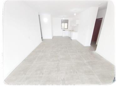High-End New apartment, new building, prime location (Petah Tikva)
