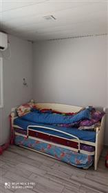 Rymlig, ljus och lugn lägenhet, helt nyrenoverad