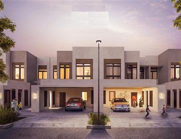 Ready for life, 4 bedrooms townhouse