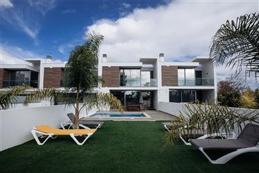 Luxusná vila T3 so súkromným bazénom v albufeire