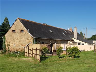 Beautiful longère with 3 bedrooms and 2 independent gites on 3Ha of land for horses