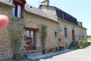 Beautiful renovated  Farmhouse and Cottage