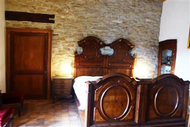 Rustic farmhouse with 2.5 hectares of land in the heart of Langhe – 790