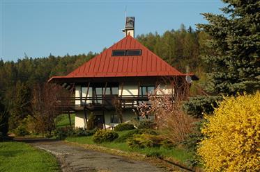 Piękny dom z widokiem na góry