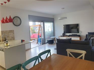 Unique mini penthouse! 115 Sqm + 70 Sqm balconies, Mazkeret ...