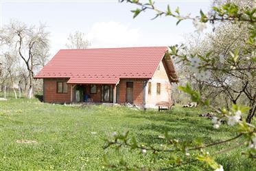Casa in constructie cu teren deosebit