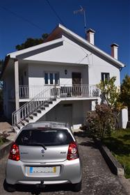 Country house with apartment (T3+2), terrain with pool, fruit trees, outbuildings, fully furnished