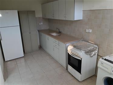 Spacious, bright and quiet apartment, renovated, in Beersheba