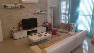 Beautiful 4 room apartment, 100 Sqm, in Petah Tikva